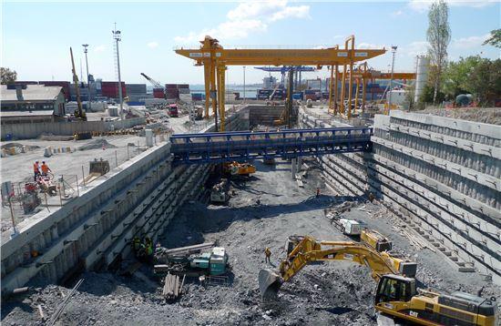 SK건설이 터키서 수행하고 있는 유라시아터널 공사 현장