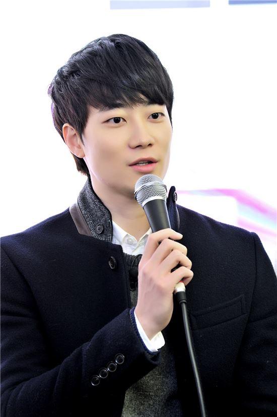 """'우결4' 윤한 """"이소연과 실제 연애? 생각해 본 적 없다"""""""