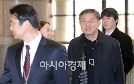 [포토]김포공항에 나타난 양웅철 부회장