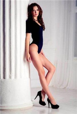 ▲다리 길이 106cm 모델인 아나스타샤 스트라쉐브스카야.