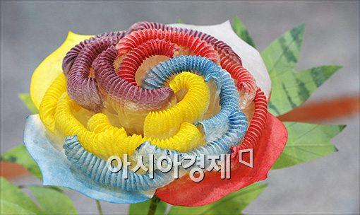 [포토]활짝 핀 한지꽃