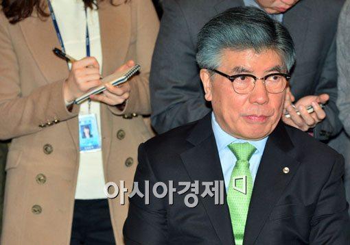 [포토]모두 발언하는 김중수 한국은행 총재