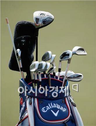 아부다비 HSBC골프챔피언십에 등장한 필 미켈슨의 골프백. 빅버사 드라이버가 눈에 띈다. 아부다비(아랍에미리트연합)=Getty images/멀티비츠