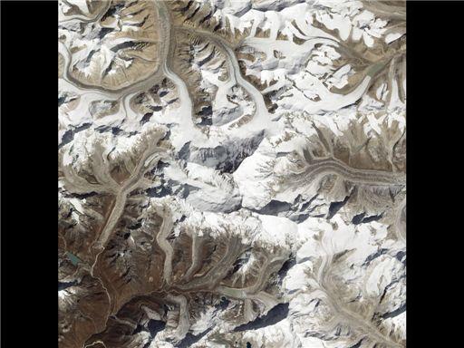▲에베레스트 위성 사진.(출처: NASA)