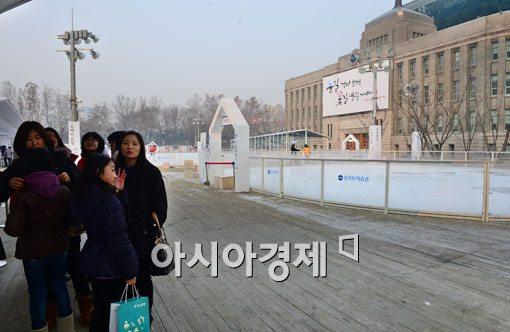[포토]미세먼지에 스케이트장도 운영중지