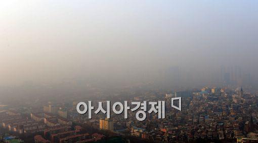 [포토]미세먼지로 뒤덮힌 서울 도심