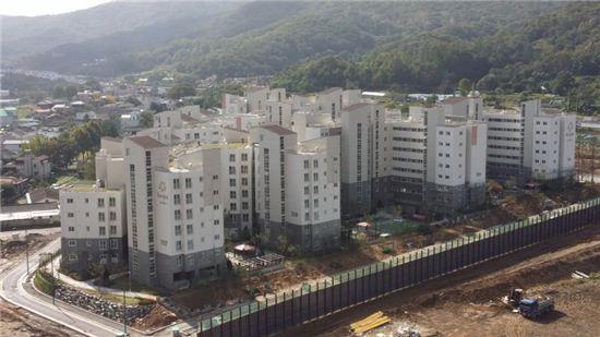 오는 20일부터 장기전세주택 공급에 들어가는 서초구 내곡지구 7단지 전경  / 서울시