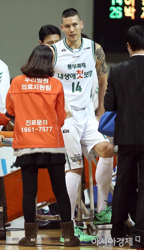 [포토] 이승준 '부상으로 교체'