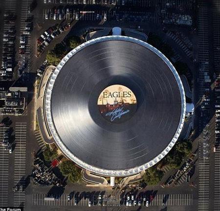 ▲124m 거대 레코드판.(출처: 온라인 커뮤니티)