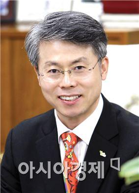 민형배 광주시 광산구청장, '빛뫼 인문학 강좌' 참석