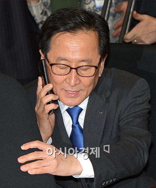 [포토]심각한 최수현 금감원장