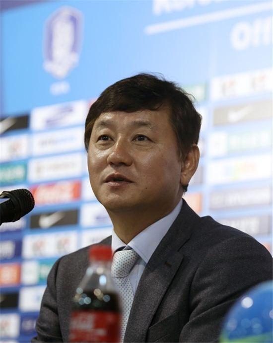 이광종 한국 축구 U-22 대표팀 감독