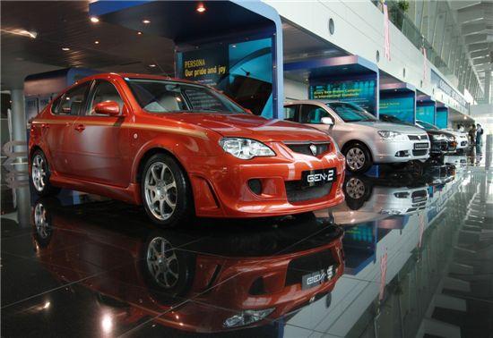 말레이시아가 친환경자동차 제조업 육성에 나섰다. 사진은 말레이시아 자동차 업체 프로톤의 전시장. 사진=블룸버그