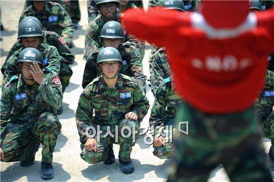 육군 부사관, 앞으로 격투기 배운다
