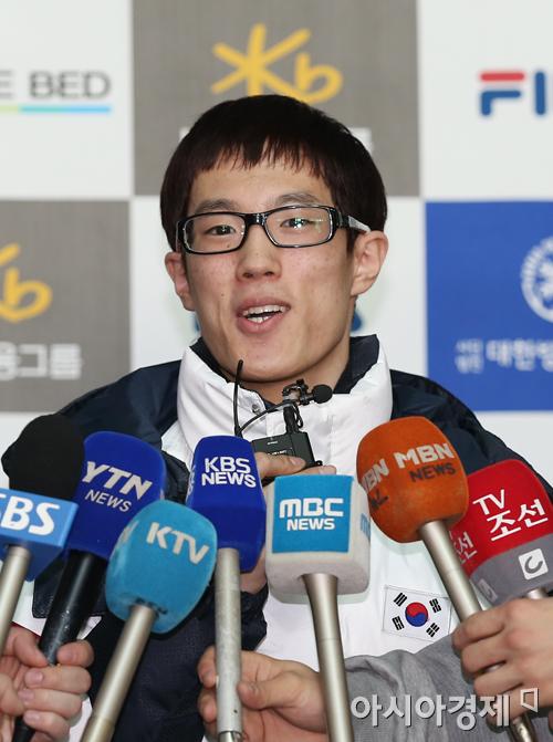[포토] 올림픽 앞둔 각오 밝히는 신다운