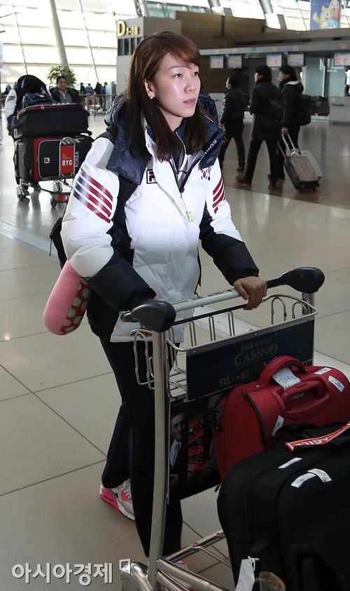 [포토] 전지훈련 떠나는 쇼트트랙 대표팀 조해리