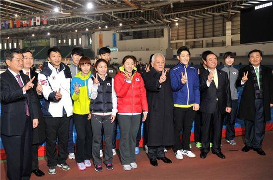 김한길 민주당 대표, 소치올림픽 국가대표 격려