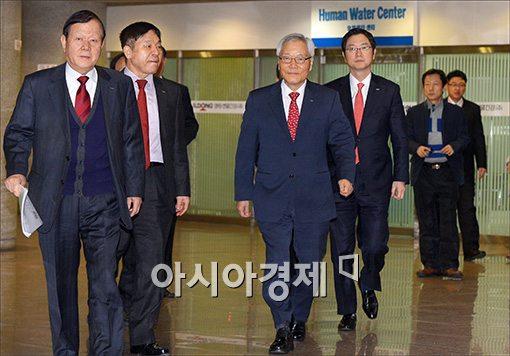 [포토]임시주총 참석하는 윤원영 일동제약 회장