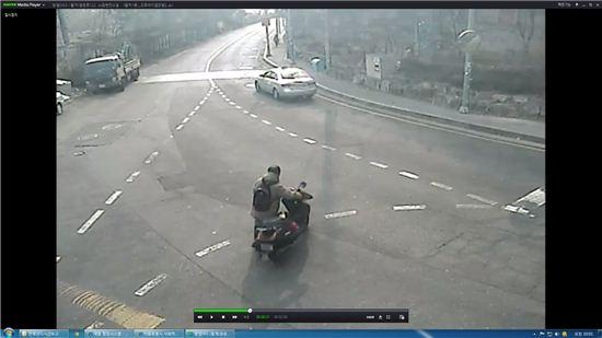 노원구 CCTV에 찍힌 오토바이 절도 사건