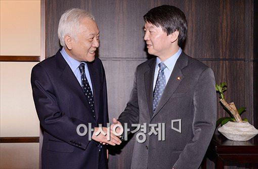 [포토]악수하는 김한길·안철수