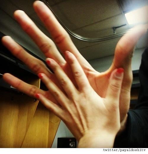 농구선수의 손 크기(출처:온라인 커뮤니티)