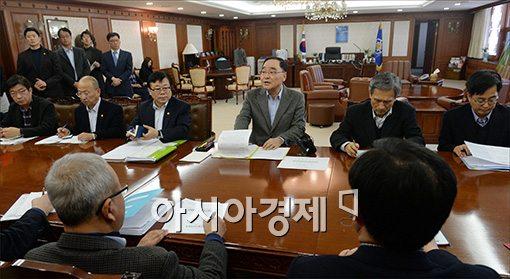 [포토]휴일 반납한 국무위원들, 명절 연휴에는?