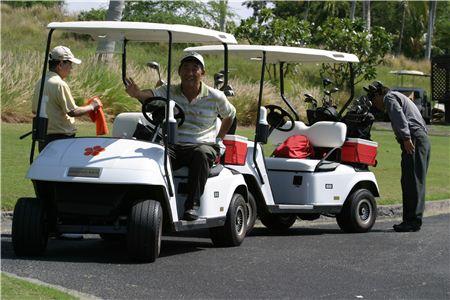 골프카트에서 운전자는 '드라이버', 옆자리에 앉는 사람은 '패신저'라고 한다.