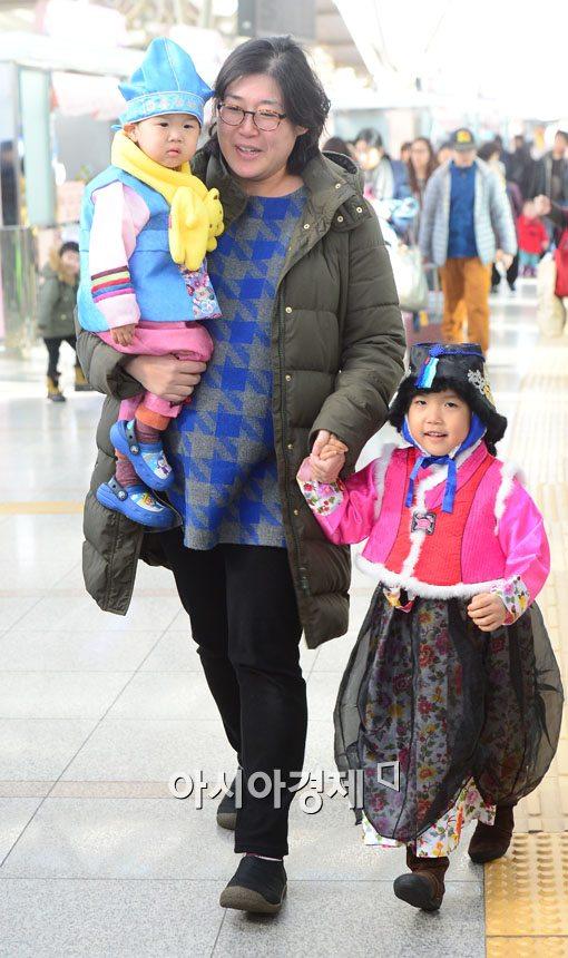 [포토]할머니 보러 가는 들뜬 발걸음