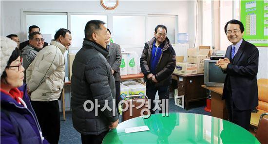 김종식 완도군수, 설 맞아 지역민들 격려 방문