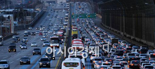 [포토]귀경 차량으로 가득한 경부고속도로