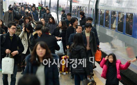 [포토]붐비는 서울역