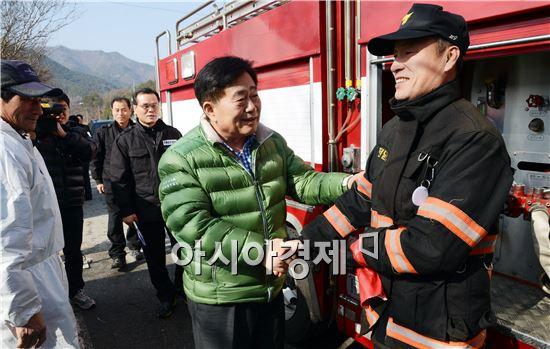 조충훈 순천시장, 설 연휴 AI 방역 통제초소 현장 점검