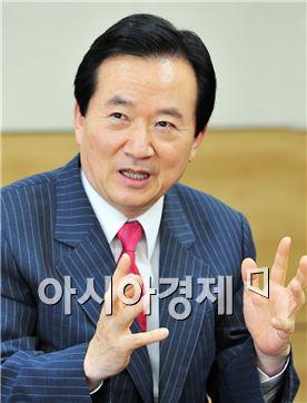 """강운태 광주시장, """"지역인재 채용문 넓혀 달라"""""""