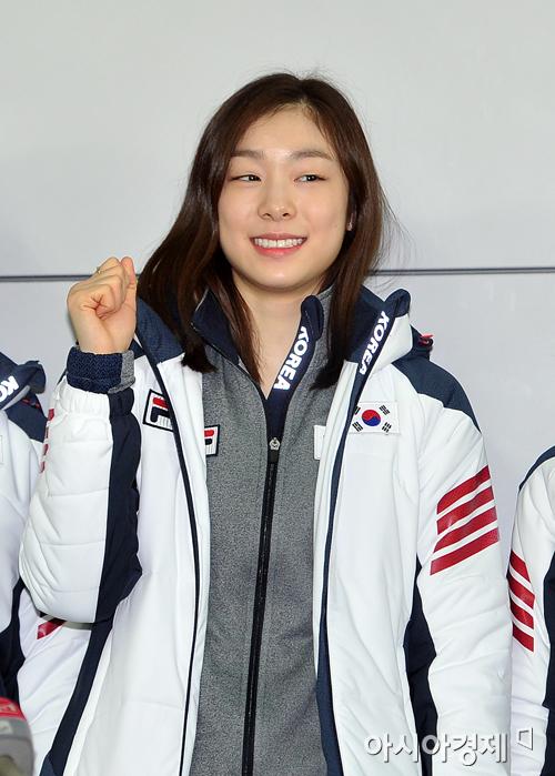 [포토] 화이팅 외치는 김연아 '올림픽 2연패!'