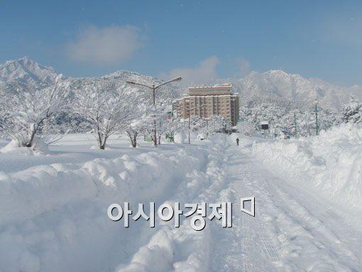 [포토]눈 쌓인 금강산 외금강 호텔