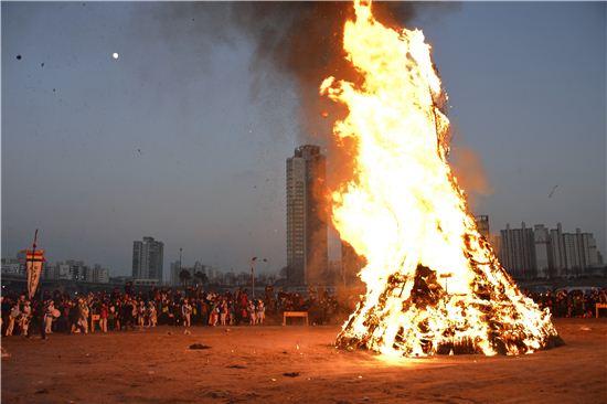 달집 태우기