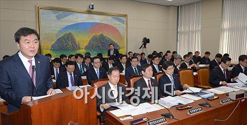 """금융당국 두 수장 """"개인정보 유출 사태 죄송""""…거듭 사과(종합)"""