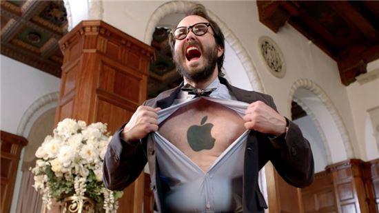 """""""아이폰 사용자 60%, 애플에 맹목적 충성"""""""