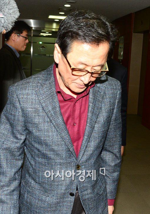 [포토]임시 금융위원회 참석하는 최수현 금감원장