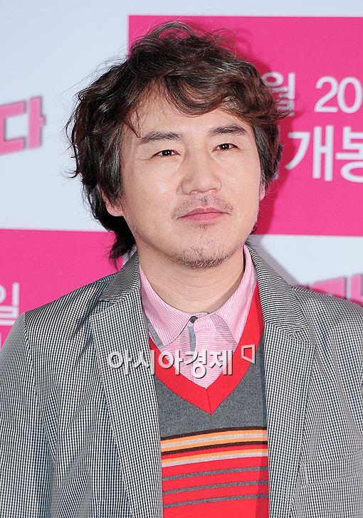 배우 손병호가 7일 오후 서울 왕십리 CGV에서 열린 '오빠가 돌아왔다'기자간담회에 참석해 자리를 빛냈다.