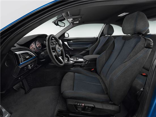 BMW 뉴 2시리즈 쿠페 실내