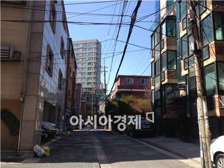'2·26대책'으로 임대소득에 대한 과세 강화 방침이 발표되면서 다가구주택과 다세대주택 간 희비가 엇갈리고 있다. 사진은 서울 시내 다가구·다세대주택 밀집지역.