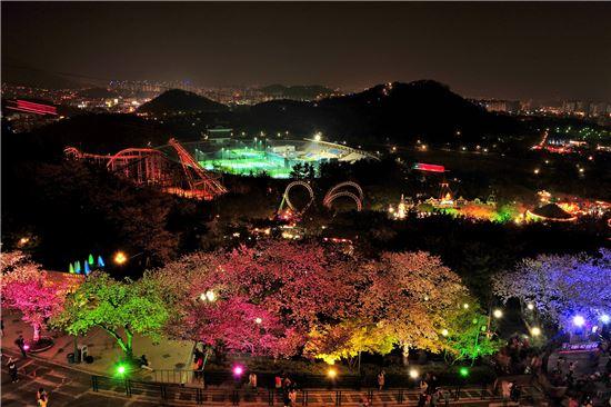 대구 이월드, 올해 첫 벚꽃축제 연다