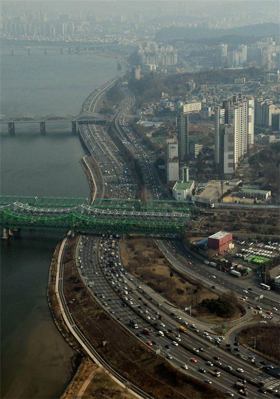 ▲오늘 미세먼지 농도는 오후부터 '약간 나쁨'.(출처:온라인커뮤니티)