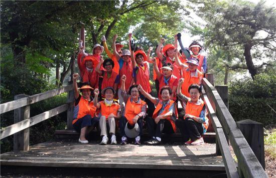 걷기 대회 참가자들
