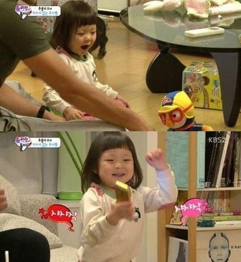 ▲ 추사랑 셔플댄스. (출처: KBS2 슈퍼맨이 돌아왔다 캡처)