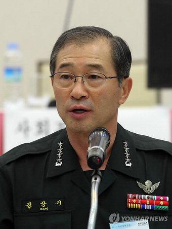 육군참모총장시절 김상기 위원장