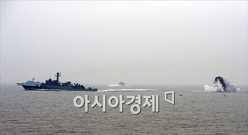 [포토]폭뢰 투하 훈련