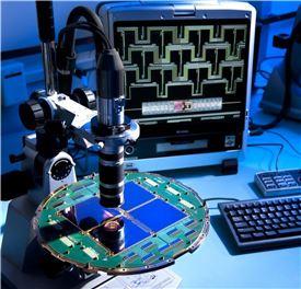 ▲우주배경복사를 발견하는데 남극에 설치된 바이셉2 망원경이 큰 역할을 했다.[사진제공=NASA/JPL-Caltech]