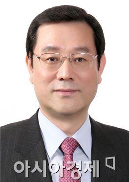 광주시장 출마를 선언한 이용섭 의원